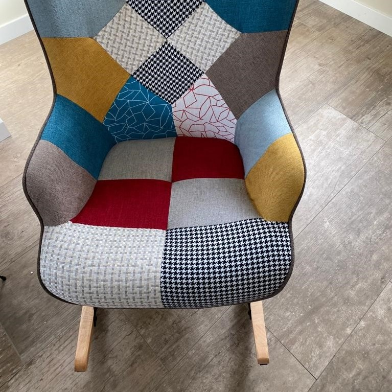Aemely – Schommelstoel 'Mama' – patchwork stof